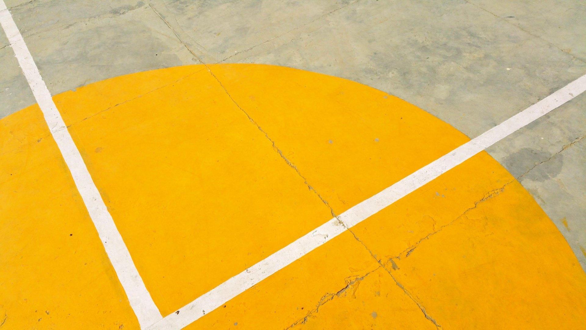 linea campo de basket de cemento