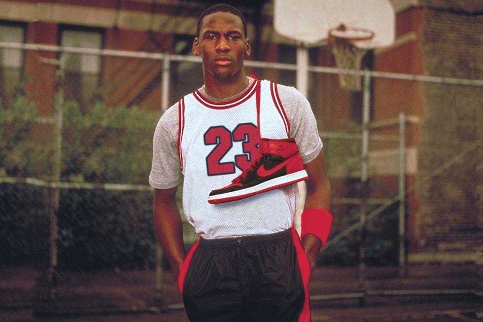 Michael Jordan con las Air Jordan 1